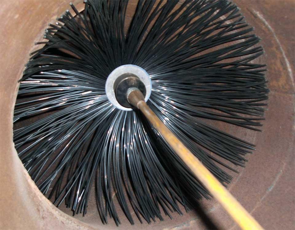 Come pulire la canna fumaria da soli