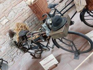 Al Museo dei Mestieri in bicicletta potrete trovare anche quella dello spazzacamino