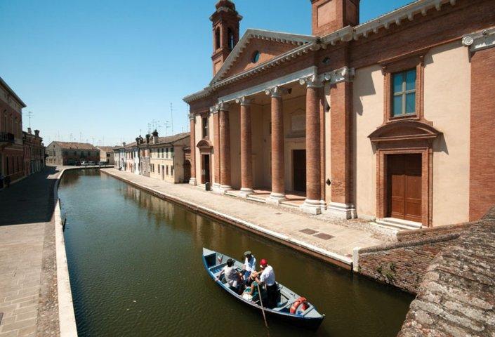 I canali della laguna di Comacchio in Emilia Romagna