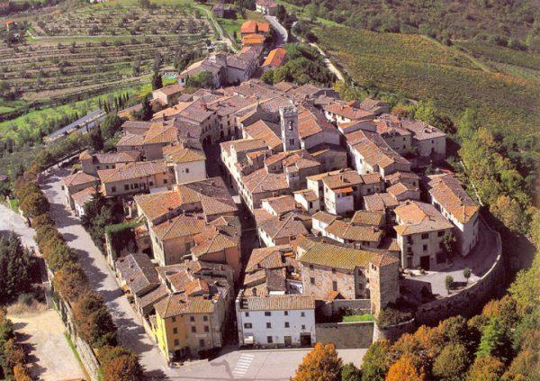 Panorama del borgo antico di Radda in Chianti