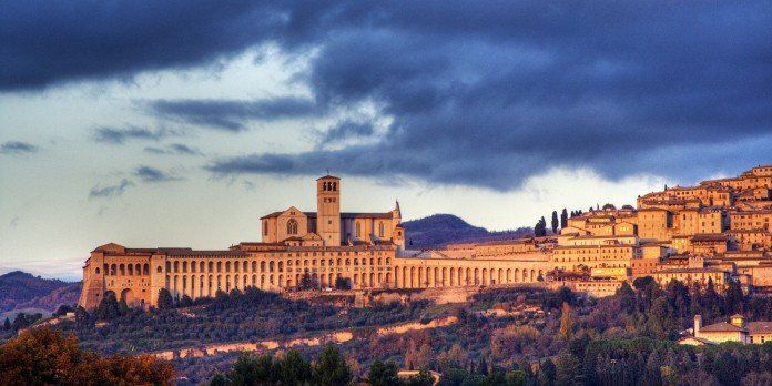 Panorama basso di Assisi