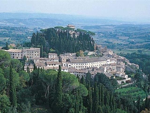 Panorama del borgo di Cetona