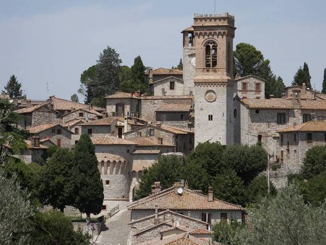 Il panorama del borgo antico di Corciano