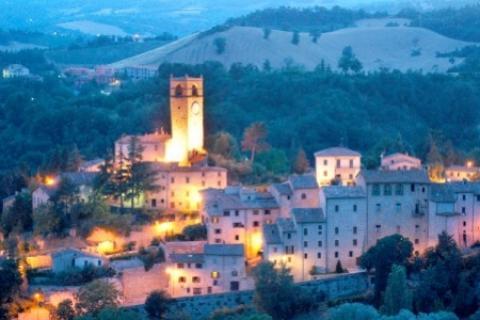Panorama notturno di Macerata Feltria