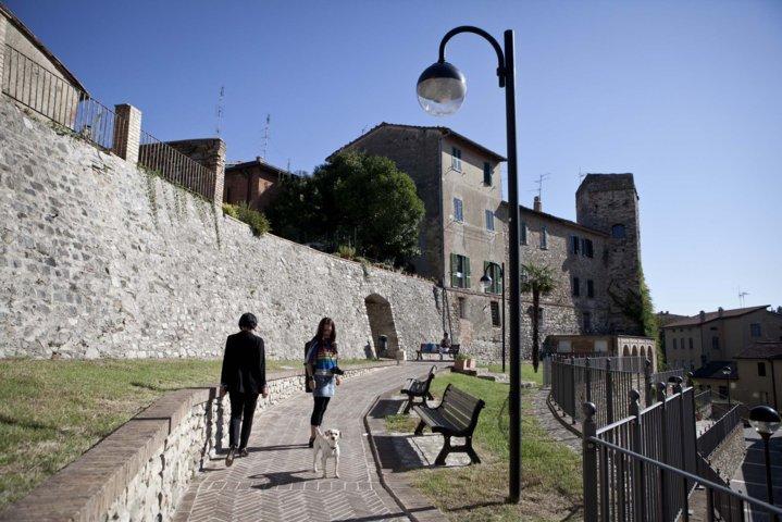 Passeggiata sul lungo mura di Marsciano