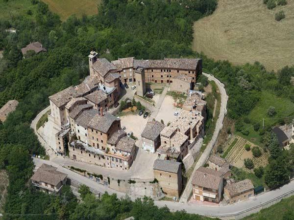 Montappone un borgo antico. L'immagine aerea