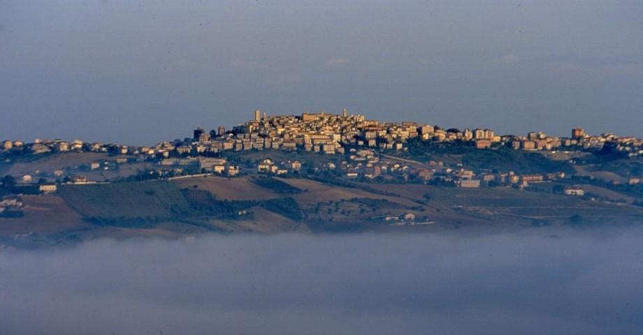 Montegranaro, il suo panorama con le colline vicine