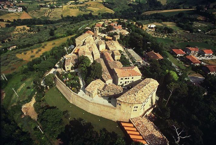 Il Palazzo Viviani di Montegridolfo