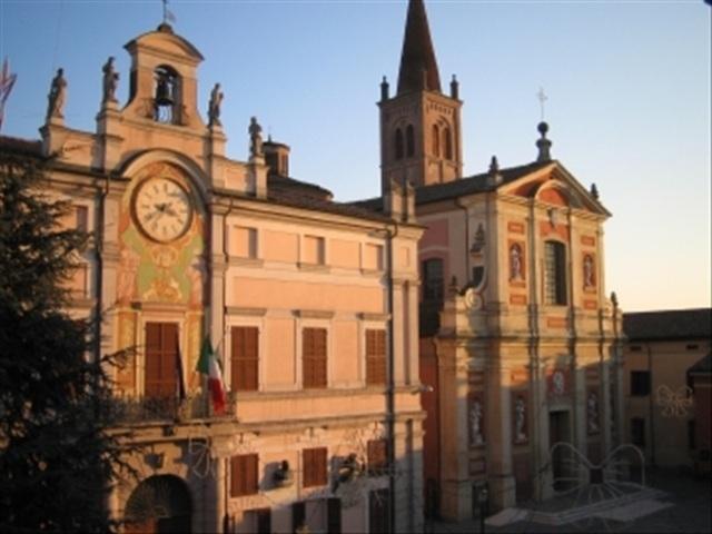 Il municipio ed il duomo di Pieve di Cento
