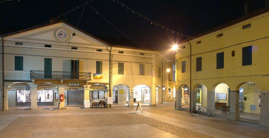 La piazza Martiri di San Pietro in Casale