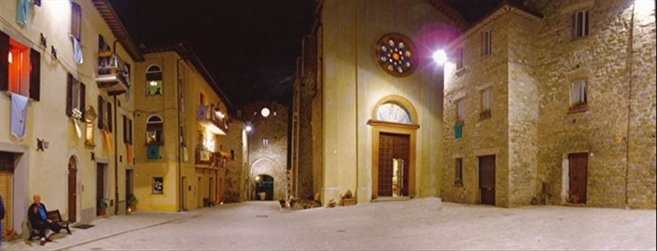 Il centro di notte di Valfabbrica