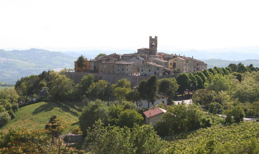 vallefoglia, veduta del borgo di colbordolo panoramica