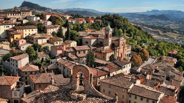 Vista aerea del borgo di Verucchio