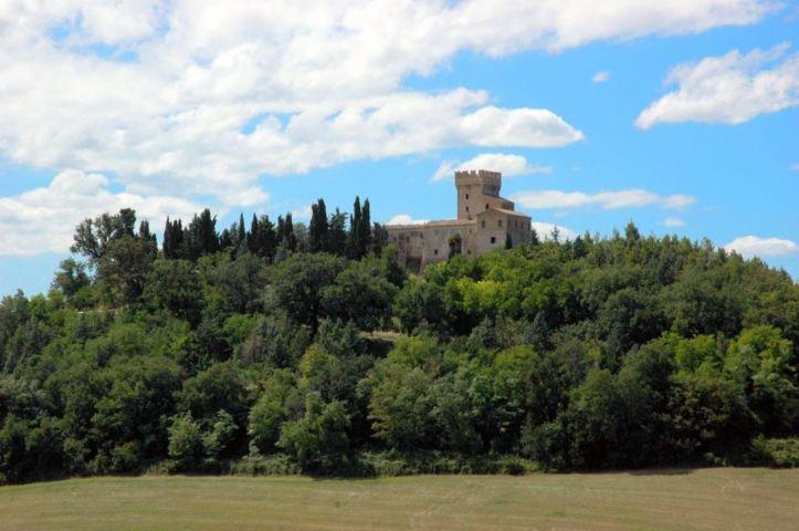 La rocca ed il castello Monte Varmine di Carassai