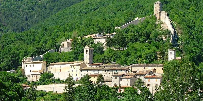 Il panorama del borgo di Castelsantangelo sul Nera