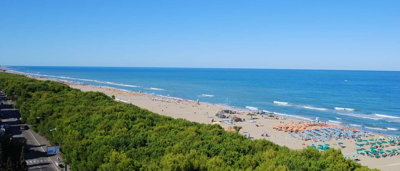 Il panorama della spiaggia di Alba Adriatica
