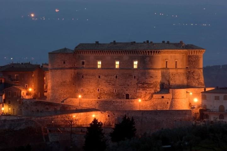 Il panorama con il castello di Alviano