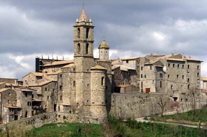 Il panorama del borgo di Baschi