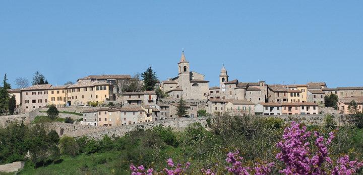 Il panorama del borgo di Belforte del Chienti