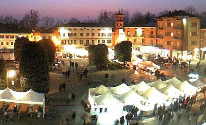 Uno scorcio del borgo in festa di Campogalliano