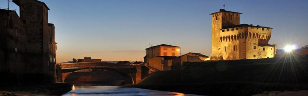 Uno scorcio al tramonto del borgo antico di Campi Bisenzio