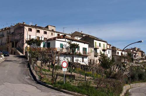 Il panorama del borgo di Castel Castagna