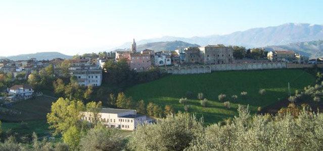 Il panorama del borgo di Castilenti