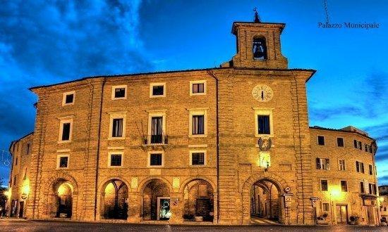 Il palazzo Municipale di Cupramontana