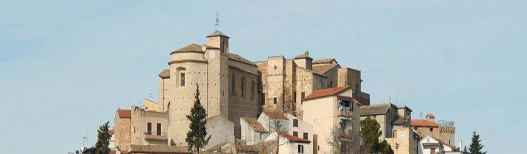 Il panorama del borgo di Elice