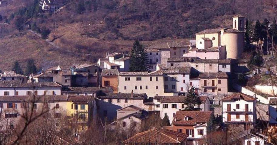 Il panorama del borgo di Fiuminata
