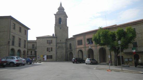 Lo scorcio del centro storico di Gualdo