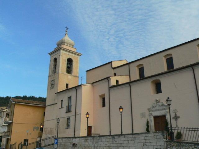 La chiesa del paese di Lettomanoppello