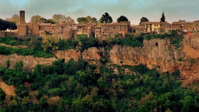 Il panorama della città di Lubriano