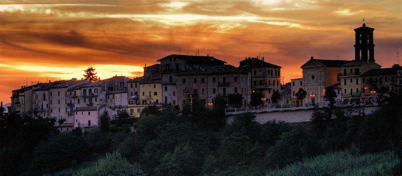 Il panorama con il tramonto di Maiolati Spontini