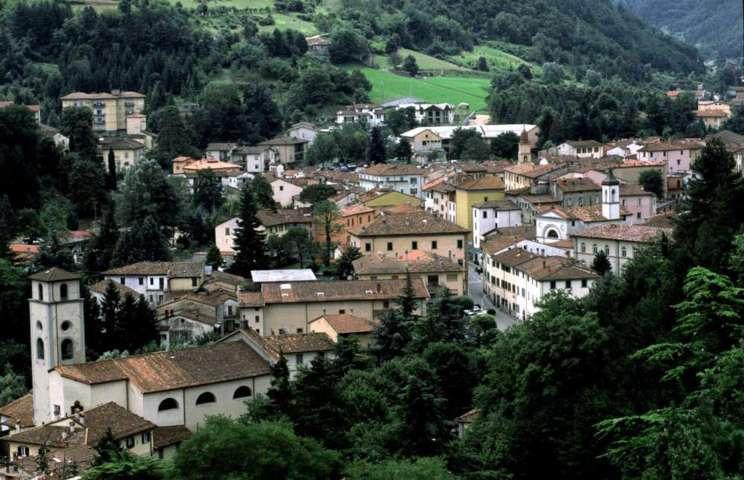 Il panorama del borgo storico di Marradi