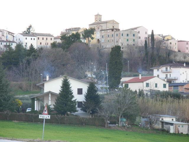 Il panorama del borgo di Mergo