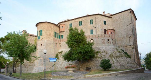 Il borgo di Monte Roberto