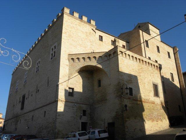 Uno scorcio del borgo antico di Monte San Giusto
