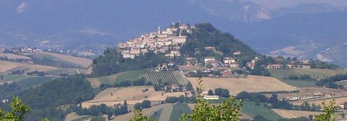 Il panorama del borgo di Monte San Martino
