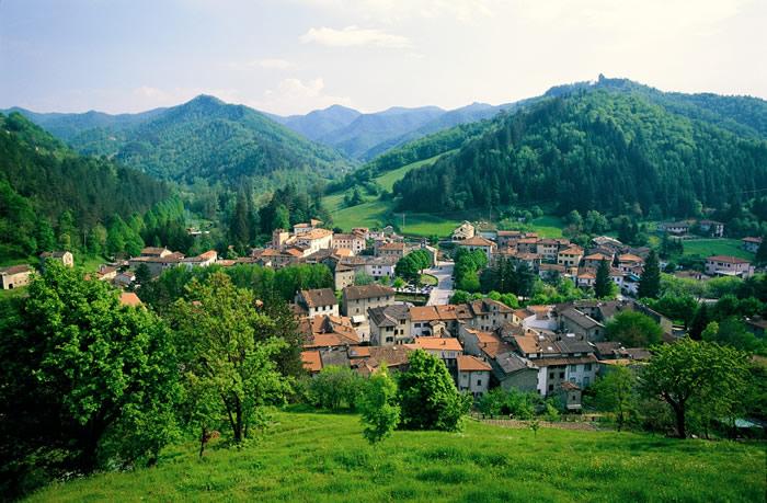 Il panorama del borgo di Palazzuolo sul Senio