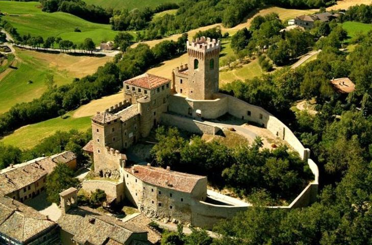 La rocca e le mura di cinta di Pavullo nel Frignano