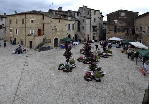 Uno scorcio del borgo di Penna in Tevrina