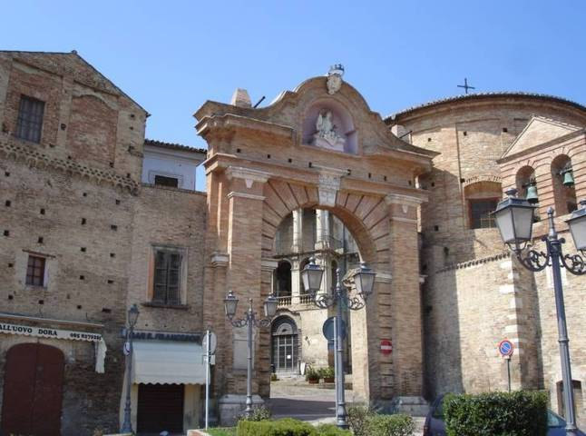 La porta di accesso al centro storico di Penne