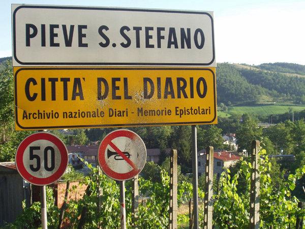 Cartello stradale di Pieve Santo Stefano