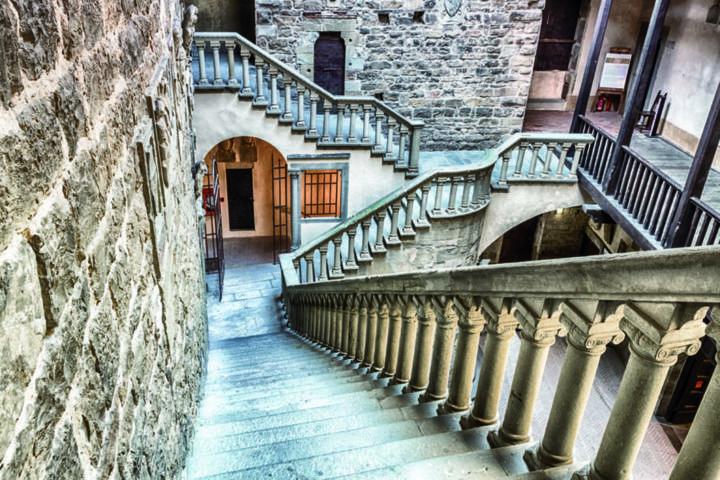 Il castello con le scale della sinfonia di Poppi