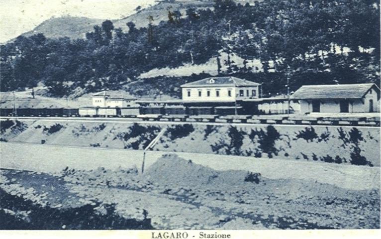 Una foto antica della stazione di San Benedetto Val di Sambro