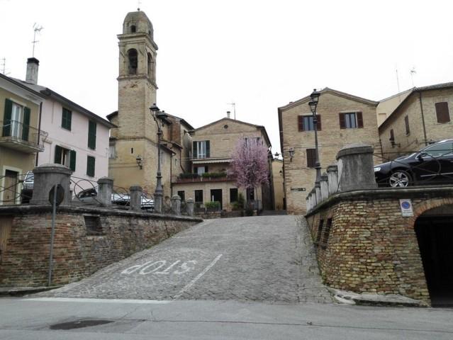Le mura del castello di San Marcello