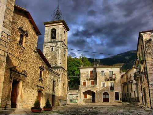 Uno scorcio del borgo di Sant'Eufemia a Maiella