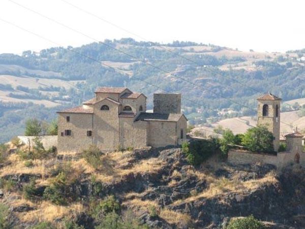Il castello Montefestino di Serramazzoni