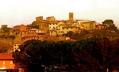 Una foto del panorama del borgo di Signa